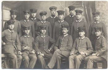 VERKAUFT !!!   AK Foto Soldaten Infanterie Gruppenfoto Wilh. Herrmann Potsdam Charlottenstr. 25 1914
