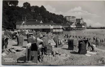 AK Foto Sassnitz auf Rügen Strand mit vielen Menschen 1931
