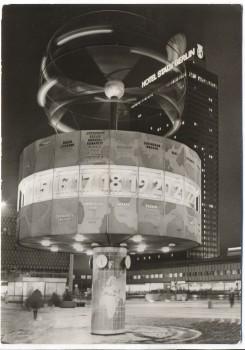 AK Berlin Weltzeituhr auf dem Alexanderplatz bei Nacht 1976
