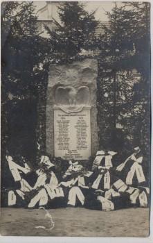 AK Foto Molbitz mit Döhlen Kriegerdenkmal mit Kränzen bei Neustadt an der Orla 1920 RAR
