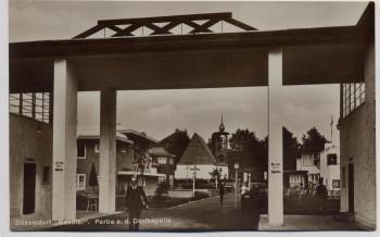 AK Foto Düsseldorf Gesolei Partie an der Dorfkapelle 1926