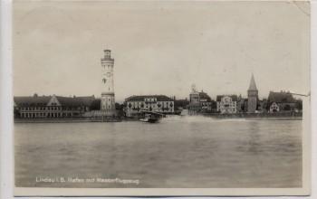 AK Foto Lindau am Bodensee Hafen mit Wasserflugzeug Dornier 1933