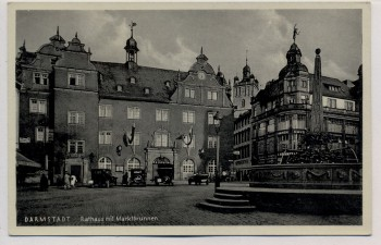 AK Darmstadt Rathaus mit Marktbrunnen Autos 1935