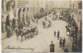 VERKAUFT !!!   AK Foto Münster in Westfalen Studentenumzug Pferdekutschen Menschen Geschäft L.A. Brinckmann 1910