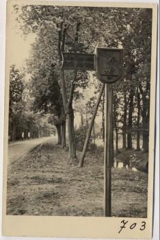AK Foto Ihlienworth Wegweiser an Straße RAD Abteilung Wilder Jäger Wode 4/173 1935 RAR