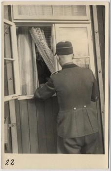 AK Foto Ihlienworth Soldat vor Fenster RAD Abteilung Wilder Jäger Wode 4/173 1935 RAR