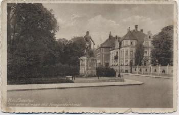 AK Kaufbeuren Schraderstraße mit Kriegerdenkmal 1915