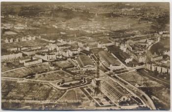 AK Foto Berlin Ausstellungshallen mit Funkturm vom Flugzeug aus 1930