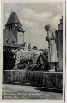 AK Foto Korneuburg Heldenkirche Heldendenkmal Eisenbahn-Reg. 1917 Niederösterreich Österreich Feldpost 1941