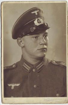 AK Foto Soldat in Uniform mit Schirmmütze Wehrmacht Portrait 1935