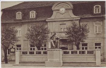 AK Stavenhagen in Mecklenburg Rathaus Reuter-Denkmal 1920
