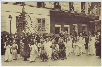 AK Brügge Bruges Brugge Procession du Saint-Sang Belgien 2 1920