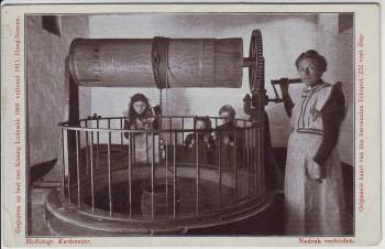 AK Hoog Soeren Echoput Frau mit Kindern am Brunnen bei Apeldoorn Gelderland Niederlande 1910