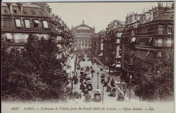 AK Paris L'Avenue de l'Opera prise du Grand Hotel du Louvre Opera Avenue Frankreich 1910