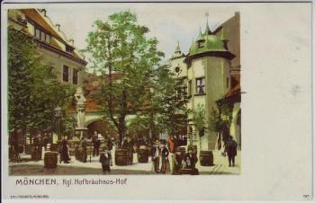 Künstler-AK München Kgl. Hofbräuhaus Hof mit Menschen 1900