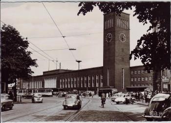 AK Foto Düsseldorf Hauptbahnhof viele Autos 1960