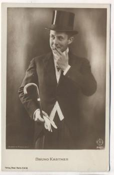 AK Foto Bruno Kastner Deutscher Schauspieler mit Zylinder rauchend 1920