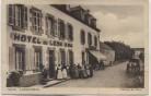 AK Landivisiau Hotel de Leon mit Menschen Bretagne Frankreich 1920 RAR