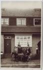 AK Foto Chemnitz Hausansicht mit Menschen 1920