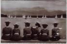 AK Foto Ammersee Segelregatta Wettersteingebirge Frauen in Tracht bei Utting 1950