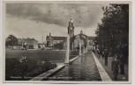 AK Foto Wiesbaden Reisinger-Brunnen-Anlage mit Hauptbahnhof 1935