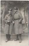 VERKAUFT !!!   AK Foto 2 Soldaten mit Mantel 1.Weltkrieg 1914