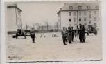 AK Foto Oppeln Stefanshöh Opole Kaserne Soldaten bei Vereidigung mit Fahne Geschütze Schlesien Polen 1940 RAR
