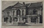 AK Memel Klaipėda Städtisches Schauspielhaus mit Denkmal Ostpreußen Litauen 1920 RAR