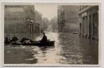 AK Foto Leipzig Kolonnadenstraße mit Boot Hochwasser 12.07. 1954 RAR