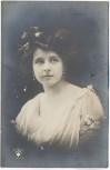 AK Foto hüsche Frau Schleife im Haar 1910