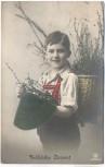 AK Foto Fröhliche Ostern Kind mit Korb und Hut nachcoloriert 1913