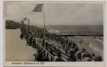 AK Foto Nordseebad Westerland auf Sylt Strand mit Fahnen viele Menschen 1936