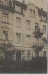 AK Foto Freiburg im Breisgau Hausansicht mit Menschen 1910