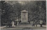 AK Wurzen Juel-Denkmal mit Menschen 1910