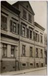 AK Foto Leipzig Lindenau Hausansicht mit Frau 1911