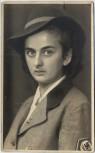 AK Foto RAD-Maid in Uniform mit Hut und Hakenkreuz 1940 RAR