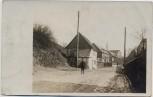 AK Foto Neudorf (Sehmatal) Ortsansicht Kind auf Straße 1920 RAR
