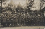 AK Foto Bad Wörishofen Gruppenfoto Soldaten mit Kneipp-Statue Lazarett 1. WK Feldpost 1916 RAR