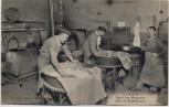 AK Paris Hôtel des Monnaies Salle de Blanchiment Menschen mit Geldpresse Frankreich 1920