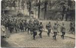 AK Lille Französische Gefangene verlassen die Citadelle 1. WK Feldpost Frankreich 1916