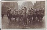 AK Foto Nürnberg Soldaten mit Helm zu Pferd Blasorchester 1935