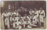 AK Foto Kiel Matrosen Division Gruppenfoto vor Kaserne Feldpost 1915