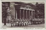 AK Berlin Die Wache zieht auf Am Ehrenmal 1940