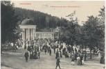 AK Marienbad Frühtrinkstunde beim Ferdinandbrunnen viele Menschen Mariánské Lázně Tschechien 1911