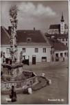 AK Foto Poysdorf Ortsansicht mit Pestsäule Niederösterreich Österreich 1954