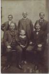 AK Foto Männergruppe mit Kind Regis-Breitingen 1913