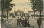 AK Berlin Pariser Platz mit Brandenburger Tor viele Menschen Frau mit Kinderwagen Soldatenkarte 1909
