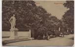 AK Berlin Siegesallee mit Denkmal und Menschen Soldatenkarte 1910