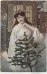 AK Fröhliche Weihnachten Frau mit Kranz und Weihnachtsbaum 1910