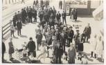 AK Foto Borkum Bahnhof mit Likör-Diele und viele Menschen 1920